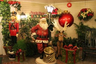 Types Of Christmas Decorations